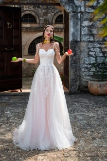 Wedding dress - hadassa.co.uk